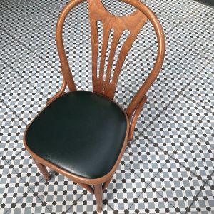 Καρέκλες σε στιλ βιεννέζικο