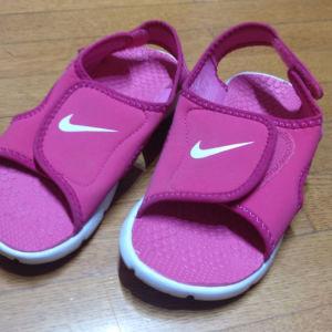 Nike παντόφλα μια παιδικα