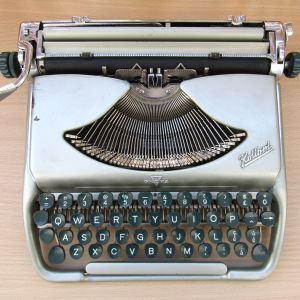 Γραφομηχανή Groma Kolibri