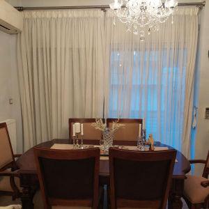 Κλασσικη Τραπεζαρία με επέκταση και 6 καρέκλες από μασιφ ξυλο κερασιάς.