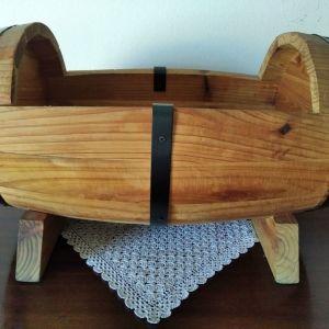 Ζαρντινιέρα ξύλινη σε σχήμα βαρελάκι