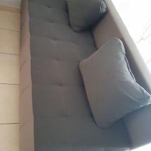 Πωλείται τριθεσιος καναπές-κρεβάτι