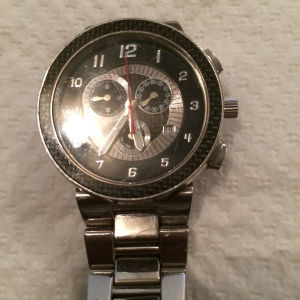 Πωλείται το ρολόι  quartz χρονογράφος visetti