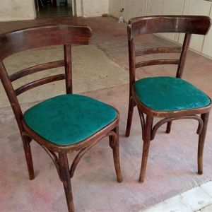Δυο καρέκλες καφενείου με επένδυση