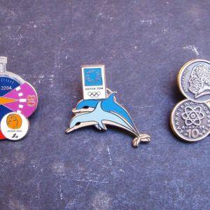 Τρεις καρφίτσες (pins) Ολυμπιακών Αγώνων 2004