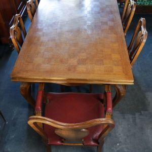 Τραπεζαρία με 4 καρέκλες και 2 πολυθρόνες από Βέλγιο