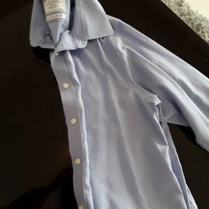 Πουκάμισο Charles Tyrwhitt London,slim line 16,5.size medium, χρώμα γαλάζιο παλ,  ΔΏΡΟ ΤΟ δεύτερο πουκάμισο της φωτο.