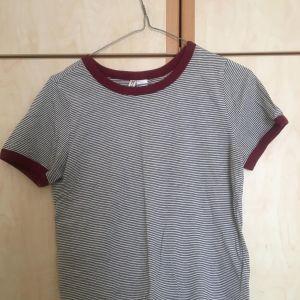 Μπλουζα κοντομανικη