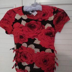 Κόκκινα τριαντάφυλλα μπλούζα