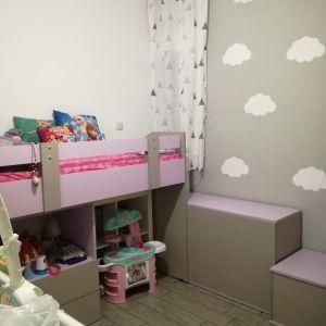 Κρεβάτι με κουτιά αποθήκευσης και γραφείο
