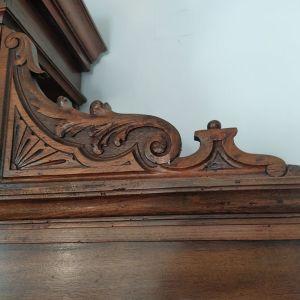 Ξύλινος μπουφές. Αντίκα του 19ου αιώνα. 280 cm Χ 168cm.