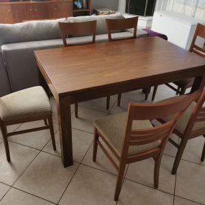 Τραπεζαρία μασίφ σχεδόν καινούρια με 6 καρέκλες