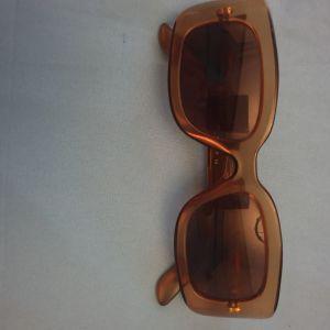 Πωλούνται αυθεντικά Chanel,Gucci, Missoni, Moschino.γυναικεία γυαλιά ηλίου τιμη 50, 00.      Να τονίσω οτι τα γυαλιά ειναι αυθεντικοτατα. ....δεν κάνω ανταλλαγές..