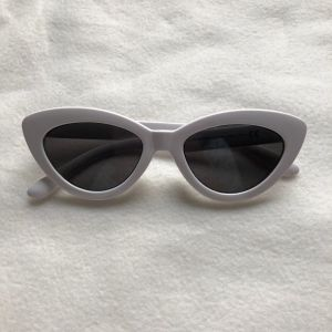 Άσπρα γυαλιά ηλίου