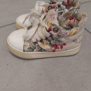 παπουτσια Νο 22