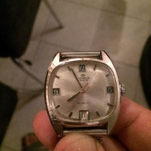 Πωλείται το πολύ καλό ρολόι κουρδιστό edox  Lorenz Swiss