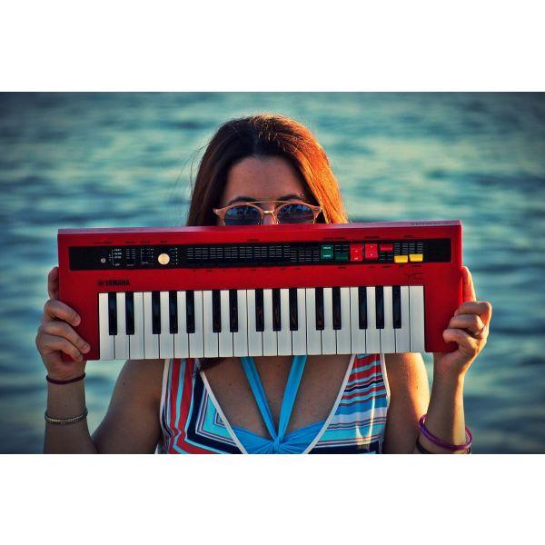 Mathimata pianou/keyboards/theoritikon (+meso Skype, Zoom)