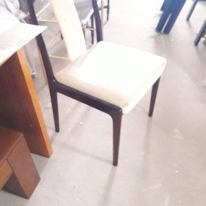 Μασίφ καρέκλες κερασιάς