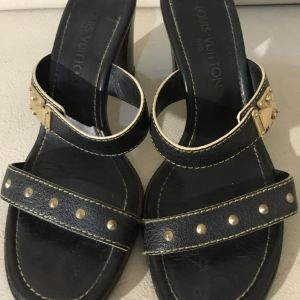 extremely gorgeous authentic heels by Louis Vuitton Paris in excellent condition size 37.5