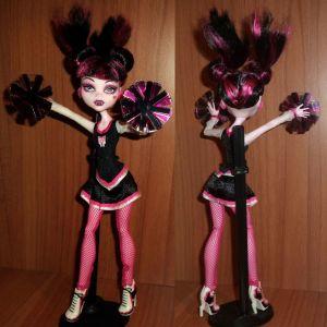 MATTEL Monster High 2011 Fearleading 3-pack Draculaura (Toys R Us) 100% ολοκληρωμένη, πολύ καλή κατάσταση!