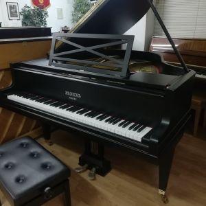Πιάνο με ουρά PLEYEL.