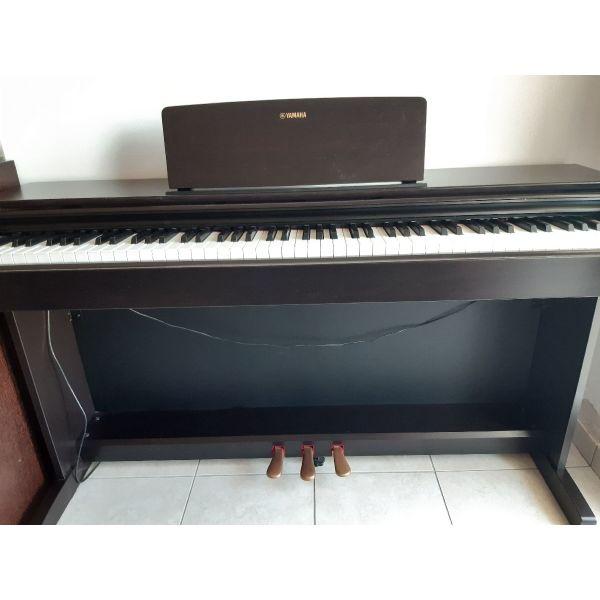 piano ilektroniko Yamaha Arius-143