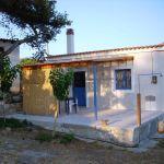 2 εξοχικές κατοικίες με περιβάλλοντα χώρο προς πωληση στη νοτιοανατολική Πελοπόννησο