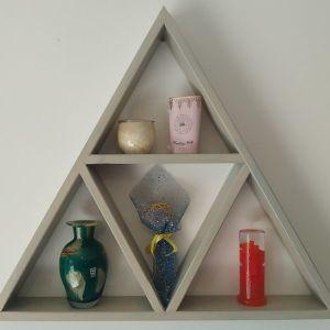 Ράφι τοίχου με τρίγωνο σχέδιο