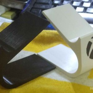 3D PRINTED XBOX CONTROLLER STAND