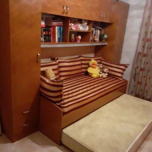 Πωλείται σύνθετο με καναπέ που γίνεται κρεβάτι