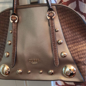 τσάντα γυναικεία Guess