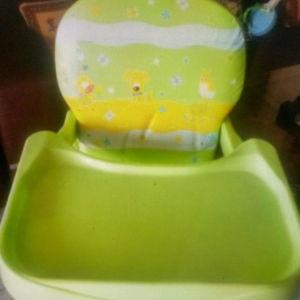 Κάθισμα φαγητού μωρού