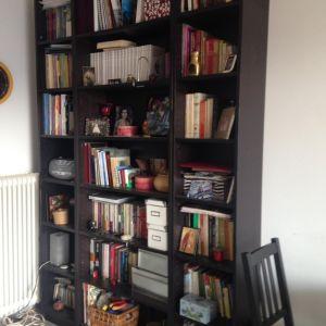 Πουλαω μεταχιρισμενη βιβλιοθηκη σε πολυ καλη κατασταση ΙΚΕΑ