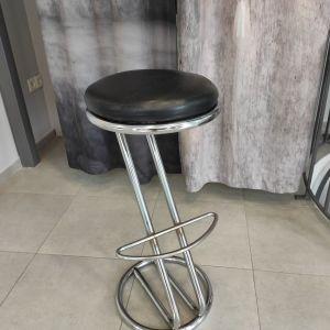 Σκαμπό μεταλλικό με δερμάτινο κάθισμα (2 τεμάχια)