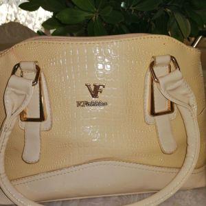Όμορφη τσάντα