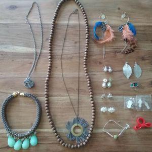 Κοσμήματα κολιέ σκουλαρίκια