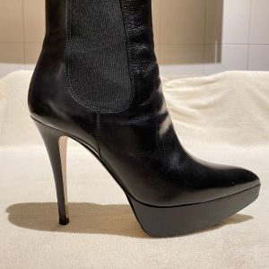 GIANVITTO ROSSI Boots in excellent condition with box and dust bag. Size 38,5