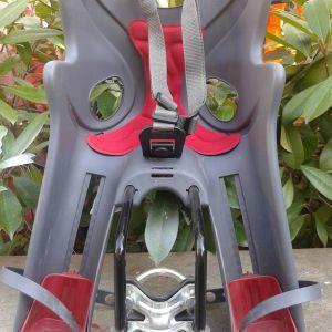 Καρεκλάκι ποδηλάτου για μέχρι 15kg παιδί.