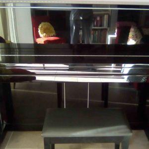 Πιάνο τοίχου SCHIMMEL