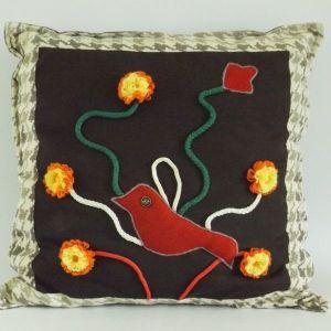 Χειροποίητο διακοσμητικό μαξιλάρι με πουλί