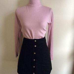 Φούστα σουέτ + μπλούζα πλεκτη