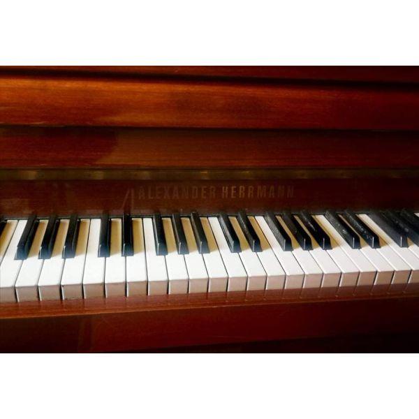piano Alexander Herrmann