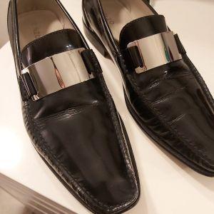 Αντρικά παπούτσια Enzo  40 νούμερο