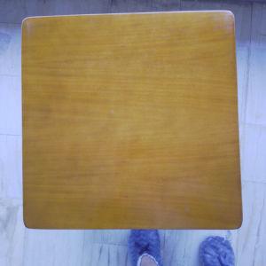 τραπεζάκια σαλονιού ένα μεγάλο και δύο μικρά από καλό ξύλο σε καλή κατάσταση τραπεζάκια σαλονιού