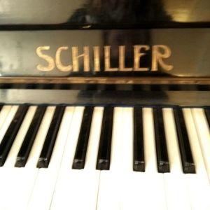 Πιάνο SCHILLER σε άριστη κατασταση