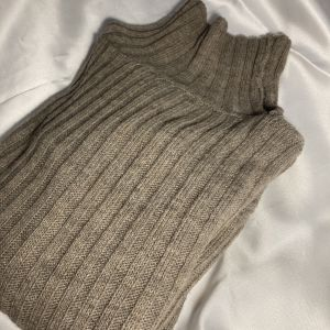 Μπεζ πλέκτη μπλούζα