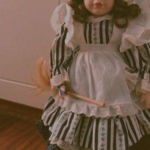 ELLIE συλλεκτική vintage πορσελάνινη κουκλίτσα 40εκ. σε άριστη κατάσταση 20 €