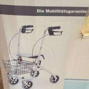 καρότσι αναπηρικό για ηλικιωμένους