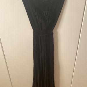 Nidodileda vintage μαύρο φόρεμα - Nidodileda vintage black dress with lace