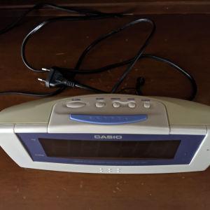 Ψηφιακό ρολόϊ ξυπνητήρι-ραδιόφωνο Casio.